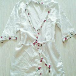 White kimono khaki white