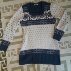 Sweater size 44-46 with scarf