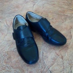 Classic shoes for school children