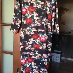 Платье новое, 46-48, зауженное внизу.