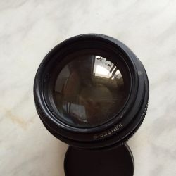 Jupiter-9 85/2 photo lens on M42 thread (Zenith)