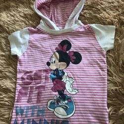 T-shirt for a girl of 3-4 years, the company Disney!