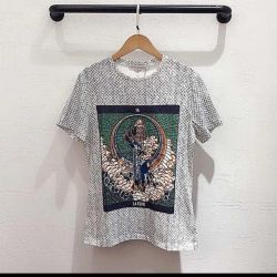 Μπλουζάκι από τον Cristian Dior