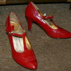 Pantofi din piele deschisă de culoare roșie Jenifer R. 40