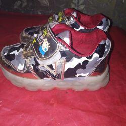 Αθλητικά παπούτσια 27r.