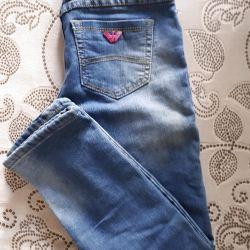 Blugi calzi pentru o fată de 150-155 cm