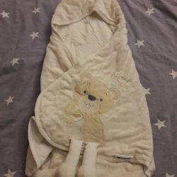 Конверт и костюмчик для новорожденного