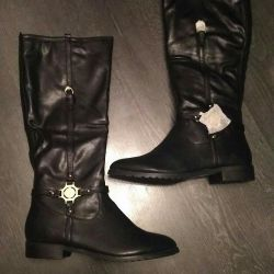Boots 37r NEW women's
