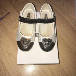 Mochino ayakkabı 27 p