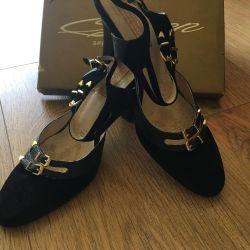 Sandalet / ayakkabı