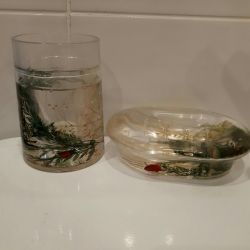 Soap dish and glass.