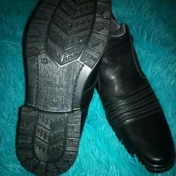 Зимние новые сапоги кожаные