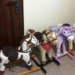 Gurney horses