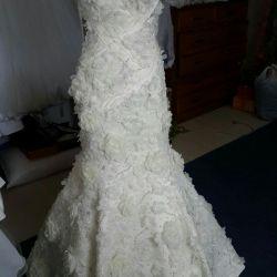 Дорогое свадебное платье