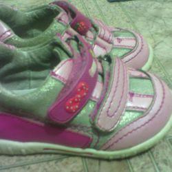 Δερμάτινα παπούτσια για κορίτσια