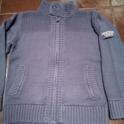 Knitted cardigan128