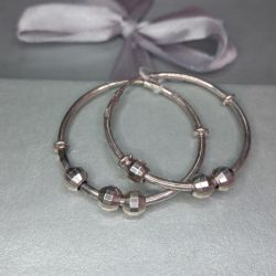 Congo earrings are made of 925 sterling silver.