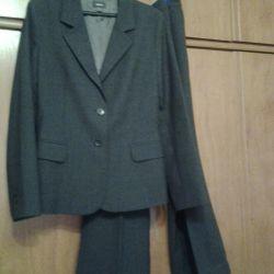 Γυναικείο κοστούμι., Μαλλί, 48-50 p.