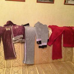 Costume de sport în velur