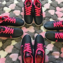 Nike sneakers for women 38