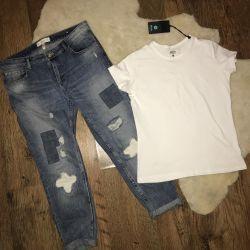 Новая женская футболка и джинсы