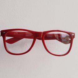 Γυαλιά κόκκινα χωρίς διοπτρίες