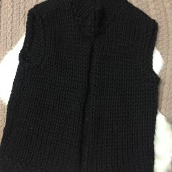 Knitted warm vest