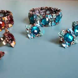 A set of jewelry.