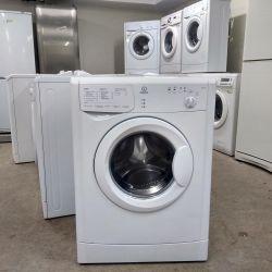 Indesit στενή πλύση