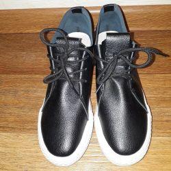 Pantofi-adidași 37,5 p.