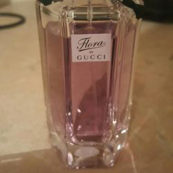 T / W Gucci Flora