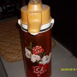 thermos with pump