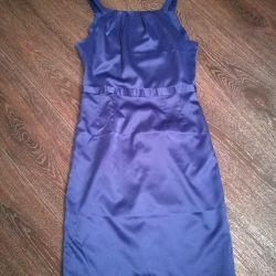 Klasik bir elbise satacağım