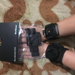 Кріплення на руку для екшн-камер.