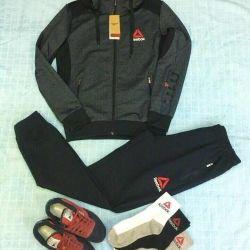 Costume sportive noi Reebok, Unisex