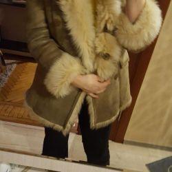 Ολοκαίνουργιο παλτό παλαιού δέρματος προβάτου