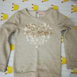 Elegant sweater for girls