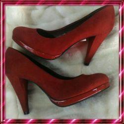 Νέα παπούτσια. Μέγεθος 39