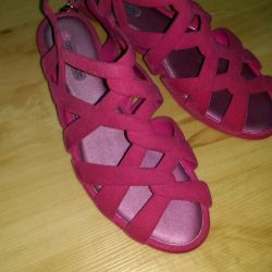Sandals new. Size 39