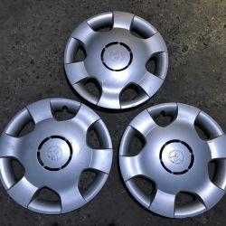 3 caps R14 Toyota