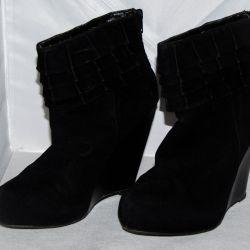 Μισό μπότες σε υψηλή σφήνα (άνοιξη / φθινόπωρο)