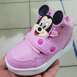 Μπότες για το νέο κορίτσι