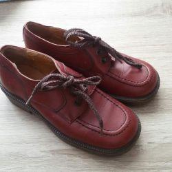 Pantofi noi p 31 de piele
