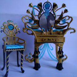 Cleo de Nile Dressing Table Monster High