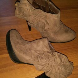 Ankle boots in perfect condition, 36 size. Footwear.