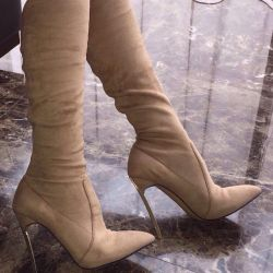 Cascadei μπότες σουέτ