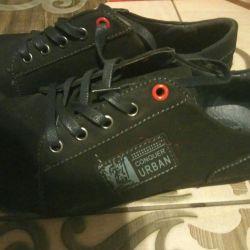 Νέα ανδρικά παπούτσια 39