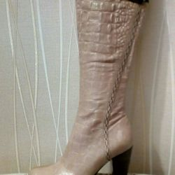 New demi-season boots