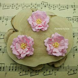 # 38Ц - A set of handmade flowers.