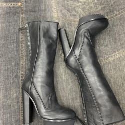 Boots Versace original, nou, Italia.